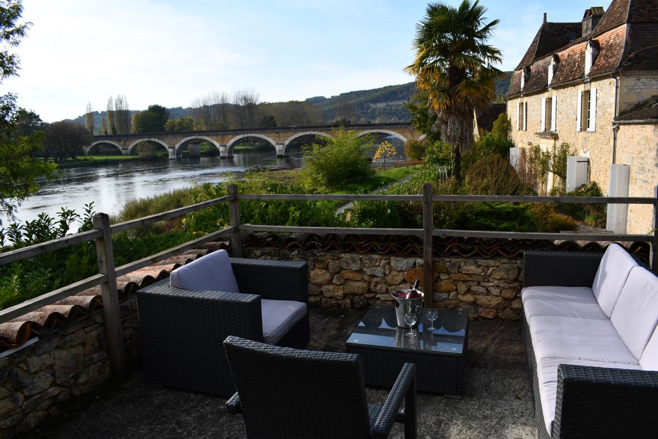 L En 233 A Terrasse Moon River Sur Dordogne